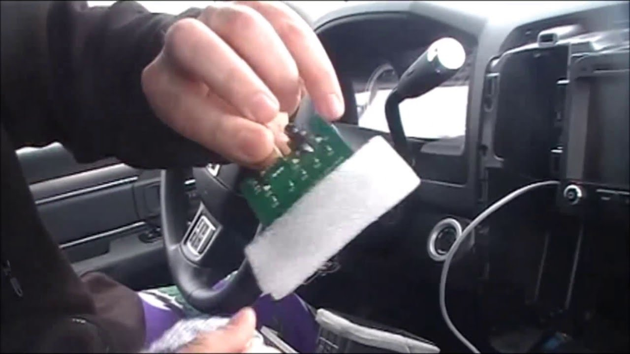 2013 Ram Center Console Usb Upgrade - Youtube - Usb Wiring Diagram For 2013 Ram Truck
