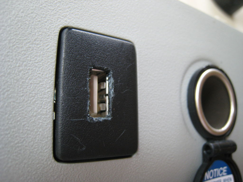 Astonishing Add A Usb Power Outlet In Your Car 9 Steps With Pictures 12V Wiring Cloud Hisonuggs Outletorg
