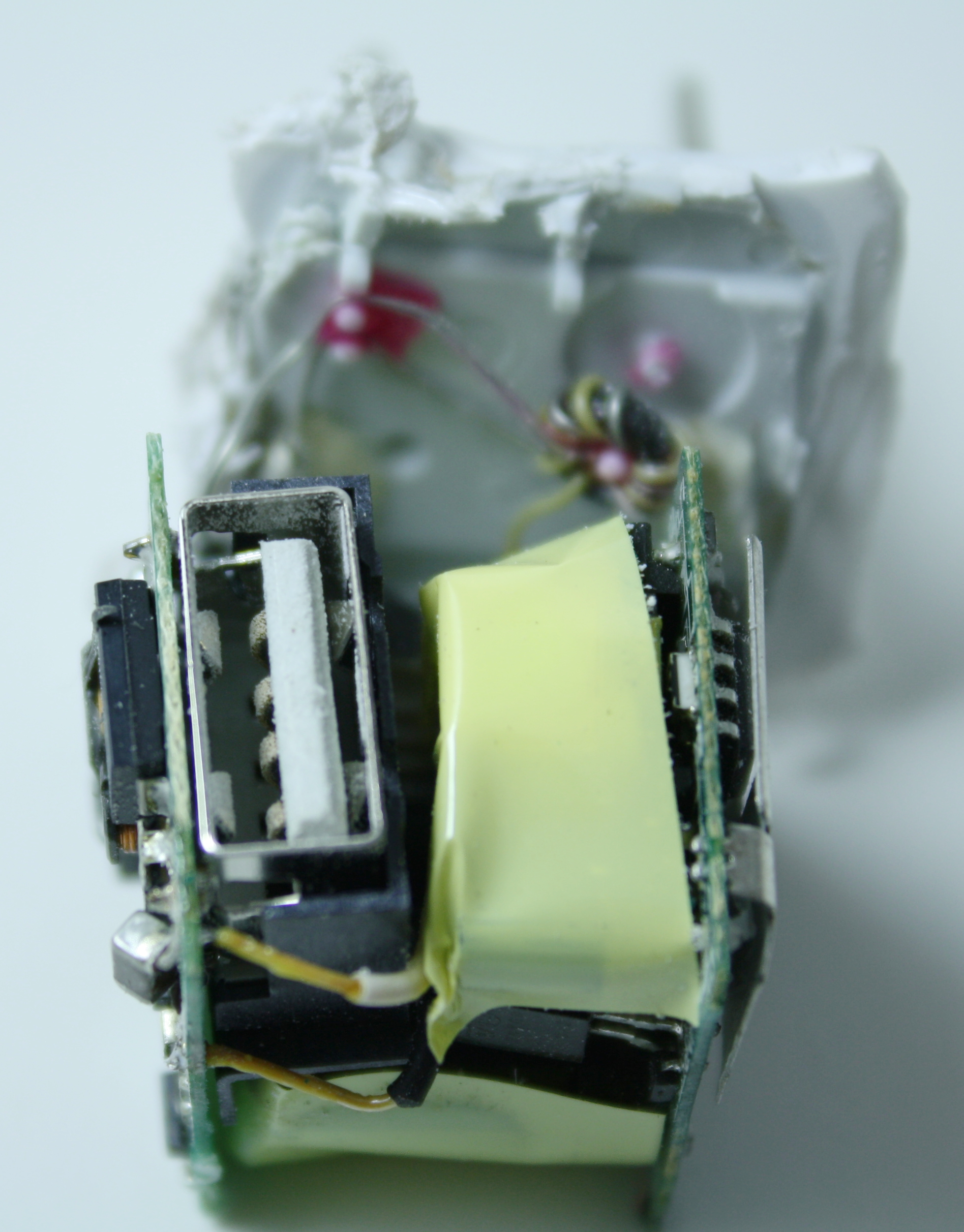Apple Iphone Charger Teardown: Quality In A Tiny Expensive Package - Usb Outlet Cover Wiring Diagram