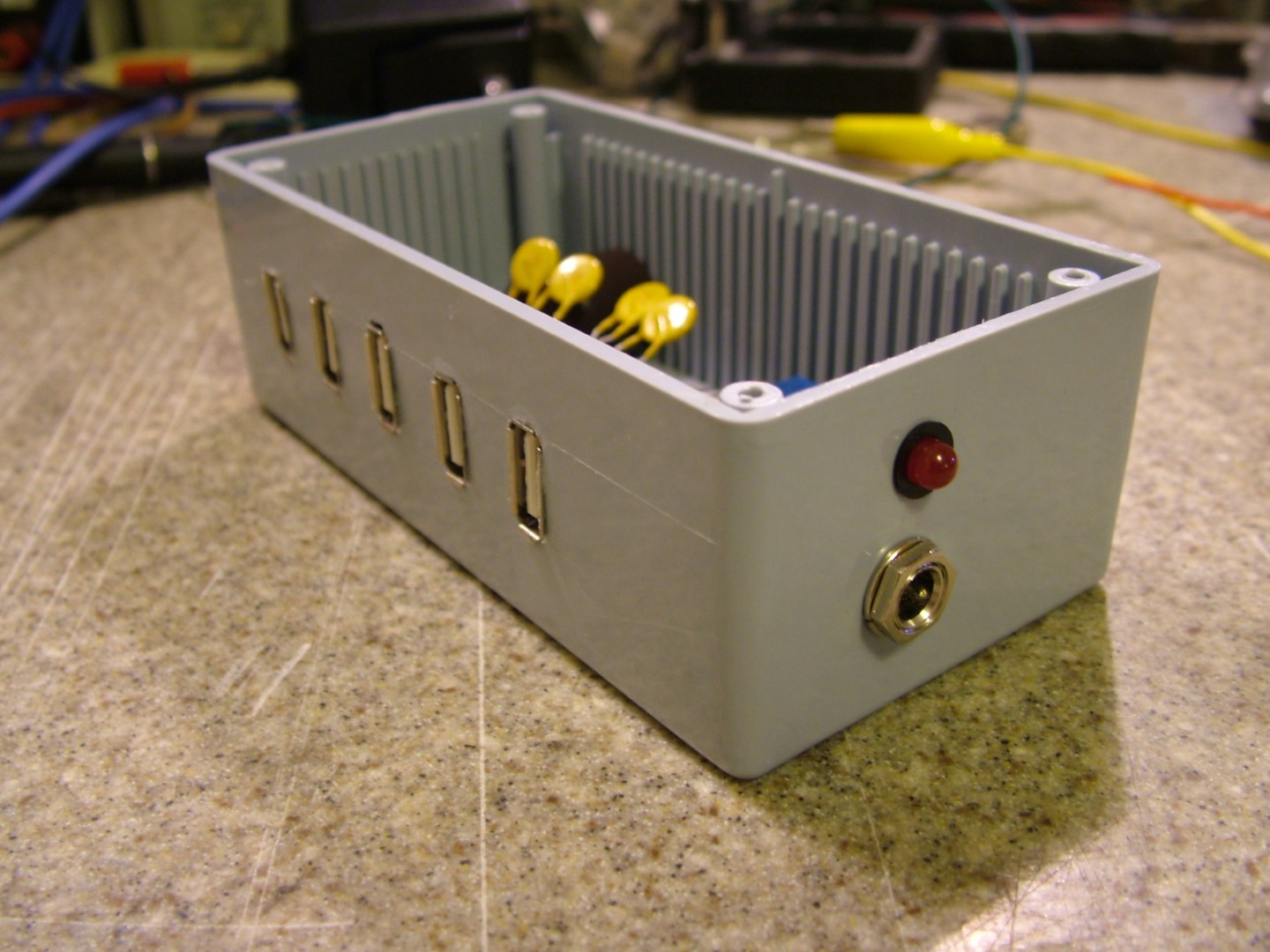 Build Your Own Dumb Usb Power Strip | Hackaday - Diy Power Bar Wiring Diagram Usb Charger